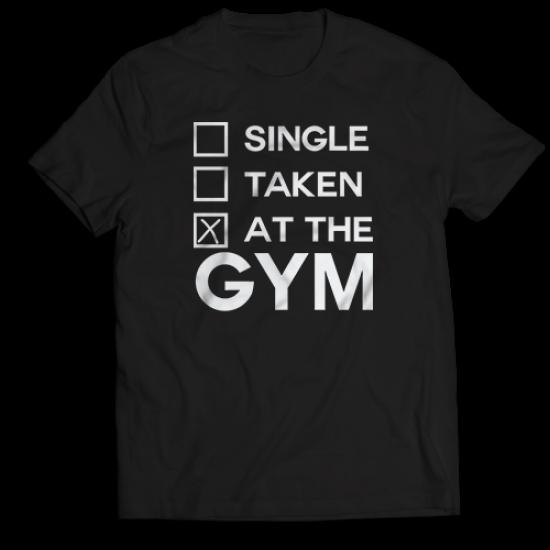 Тениска с щампа AT THE GYM